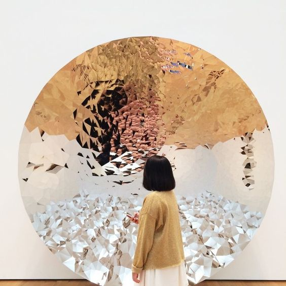 Catherine Broderick, Anish Kapoor mirror sculpture. When writing becomes healing: How expressive writing can be used as a tool for scrying into the hidden parts of our being.